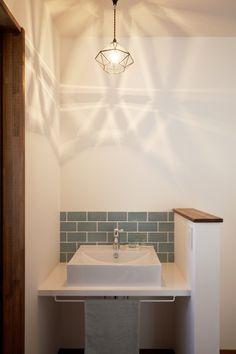 「趣味と暮らしを大切にした大人のナチュラルコテージ」 Home Bedroom, Woodworking Crafts, Studio, Toilet, Sink, Interior Decorating, Bathroom, Lighting, Architecture