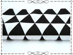 Weiteres - Baumwolle, schwarz-weiße Dreiecke - ein Designerstück von imagine-shop bei DaWanda