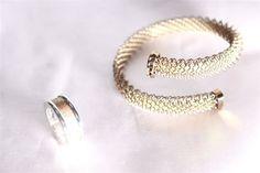 anello in ag925 e carbonio con bracciale titanio colorato maglia milanese larga