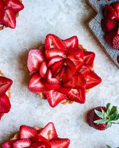 Strawberry Season - one of the many reasons we love this time of year! Don't these beautiful strawberry rose tarts from look incredible? We think they would be perfect with our honey drizzled on top! Valentines Day Hearts, Happy Valentines Day, Cooking With Honey, Strawberry Roses, Tasting Table, Let Them Eat Cake, Whole Food Recipes, Sweet Treats, Pure Products