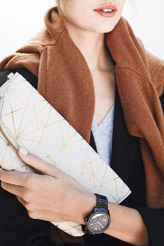 Fossil Preston Foldover clutch in Bone with gold geometric print. Fossil Watches, Kinds Of Clothes, Fashion Beauty, Womens Fashion, Pretty Outfits, Passion For Fashion, Latest Fashion Trends, Autumn Winter Fashion, Women's Accessories