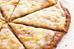 Quinoa Pizza Crust - Thin and crunchy but still doughy and super healthy. Pickle Pizza Recipe, Pizza Sin Gluten, Quinoa Pizza Crust, Best Lunch Recipes, Free Recipes, Vegan Recipes, Pickle Vodka, Homemade Pickles, Sem Lactose