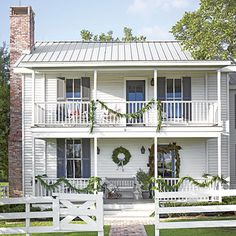 Pure Country Christmas Farmhouse: Take a peek at the simply beautiful holiday decor inside this three-bedroom Texas farmhouse.