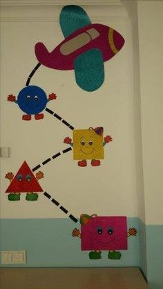 30 Classroom decorating ideas - Aluno On School Board Decoration, Class Decoration, School Decorations, Kids Crafts, Preschool Activities, Arts And Crafts, Preschool Shapes, Preschool Classroom, Classroom Decor