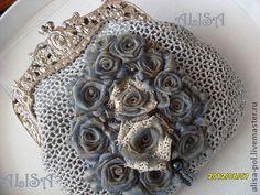 """Bolsas artesanais.  Mestres Feira - sacos artesanais e pulseira """"Blue Rose"""".  Handmade."""