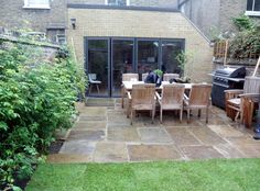 york stone patio paving in Fulham London Yorkstone antique paving Flagstone Paving, Paver Sand, Paver Edging, Paver Walkway, Paving Slabs, Shade Cloth Garden, Patio Design, Garden Design, Garden Slabs