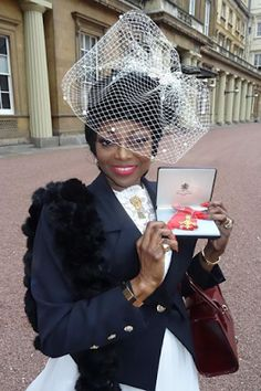 British-Nigerian singer Patti Boulaye receives OBE from British palace (photos) - http://www.thelivefeeds.com/british-nigerian-singer-patti-boulaye-receives-obe-from-british-palace-photos/
