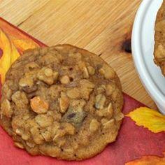 Pumpkin Butterscotch Oatmeal Cookies | Kids and adults all love this recipe for pumpkin butterscotch oatmeal cookies - the perfect fall treat!