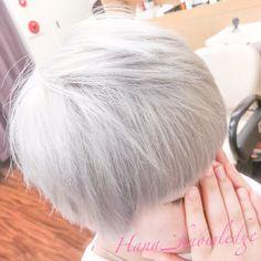 メニュー:ホワイト・トリプルカラー(18000) 所要時間:5h #Hanaカラー #ブリーチ #ホワイトブリーチ #派手髪 #ヘアカラー #haircolor #カラフル #colorfulhair #デザインカラー #designcolor #ヘアスタイル #hairstyle #ホワイト #ホワイトヘア #whitehair #ブリーチ1回 #ハイトーンカラー #スーパーハイトーン #hightonecolor White Blonde, Hair Color, Tulle, Hairstyle, Fashion, Whoville Hair, Moda, Haircolor, Hair Style