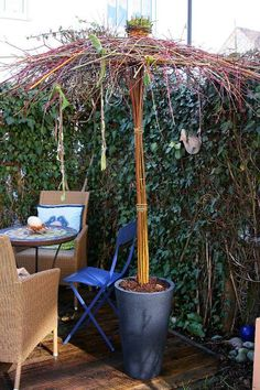 Weidenschirm 3 All Ideen Garden Projects, Diy Projects, Twig Art, Pinterest Garden, Willow Weaving, Garden Whimsy, Garden Features, Shade Garden, Yard Art