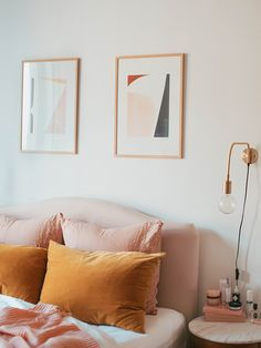 Mustard and pink bedroom with velvet headboard and cushions, Scandi style artwork and gold accessories Interior Design Minimalist, Interior Desing, Home Interior, Mustard Bedroom, Bedroom Orange, Mustard Bedding, Yellow Bedding, Deco Orange, Pink Bedrooms