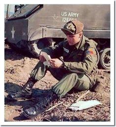 Image from http://photos.elvispresleymusic.com.au/images/army/army_color_elvis_mail_2.jpg.