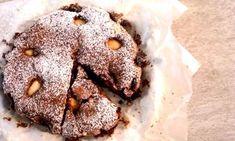 Κέικ αχλάδι με κουβερτούρα και καβουρδισμένα φουντούκια Vegan, Cookies, Chocolate, Sweet, Desserts, Food, Crack Crackers, Candy, Tailgate Desserts