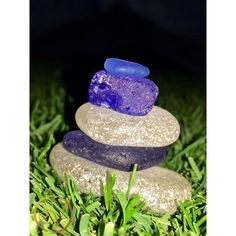 THINK BLUE: When you have the opportunity to make a stack on the Dodger Stadium outfield while sitting on sunflower seed shells fresh from Kike Hernandez mouth you do it! #birthdayweekend #dayone #bestdayever #vivalosdoyers #bleedblue #jackierobinsonnight #42 #seaglass #seaglassstack #cairn #seaglassaddict #seaglassheart #blueseaglass #oceanlove #oceantreasures #beachcomber #dodgersstadium #turf #kikehernandez #dodgers #losangelesdodgers #iphone #artbysummer by sweet_lil_sun_chaser