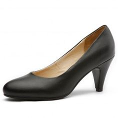 Choose the appropriate shoe to complete your look. Avoid open-toed