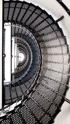 Stairs - Investors Europe Stock Brokers Gibraltar