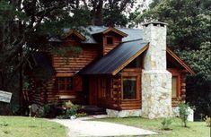 La construcción de cabañas de madera, especialmente la construccion en troncos macizos es nuestra especialidad House Of Beauty, Log Cabin Homes, Forest House, Cabins And Cottages, Exterior, Sustainable Architecture, Next At Home, House In The Woods, My Dream Home