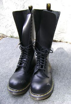 c62d8f2fa5 Dr. Martens Rare 1942 20 Eyelet Black Leather Steel Toe Boots Punk Unisex  size 8 - Made in England - $145