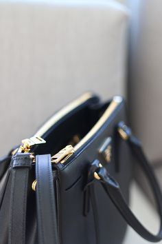 Prada Double Zip Buy a Prada Saffiano Double Zip HERE About 10 months ago, I was lucky enough to be shopping in Holt Renfrew, looking… Gucci Handbags Outlet, Prada Handbags, My Other Bag, Chanel Wallet, Prada Saffiano, Miuccia Prada, Everyday Bag, City Chic, Luxury Bags