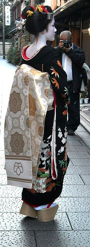Maiko Koyoshi on the day of her debut, Kyoto, Japan    -->> ♥ ♥ Please feel free to repin ♥♥