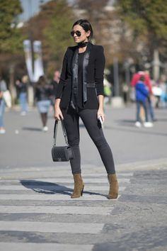 Likin' different black outfit on brown boots