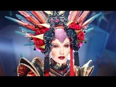▶ SHOWstudio: Evening In Space - Daphne Guinness / David LaChapelle / Tony Visconti - YouTube