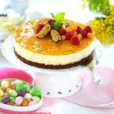 Len moussetårta med passionsfrukt Fika, Cheesecakes, Yummy Cakes, Mousse, Cake Decorating, Sweet Tooth, Deserts, Lens, Easter