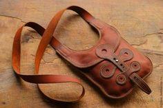 Not unlike Orequal - Makerist Leather Art, Custom Leather, Leather Pouch, Leather Tooling, Leather Jewelry, Leather Purses, Leather Handbags, Leather Bag Pattern, Leather Bags Handmade