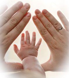 – Baby manualidades meninas - My CMS Foto Newborn, Newborn Baby Photos, Baby Poses, Newborn Pictures, Baby Boy Newborn, Baby Pictures, Newborn Photography Poses, Newborn Baby Photography, Children Photography