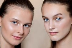 Get a dewy skin look with ten basic skincare habits that lead to healthy, luminous and glowing skin.