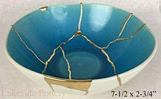 Kintsugi Pottery For Sale Japanese Tea Cups, Traditional Japanese Art, Pottery Gifts, White Bowl, Goldwork, Art Japonais, Shattered Glass, Japanese Ceramics, Kintsugi