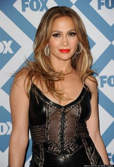 love her hair here!  jennifer lopez Dirty blonde, blonde highlights bold lip simple eye make up, she's 44 people!!!!!!