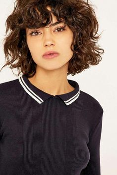 66 Chic Short Bob Hairstyles & Haircuts for Women in 2019 - Hairstyles Trends Curly Hair With Bangs, Curly Hair Cuts, Curly Bob Hairstyles, Long Curly Hair, Hairstyles With Bangs, Curly Hair Styles, Short Curly Haircuts, Curly Short, Hairstyle Men