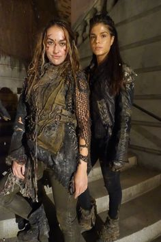 The 100 / wasteland fashion for women / post apocalyptic / cosplay / LARP