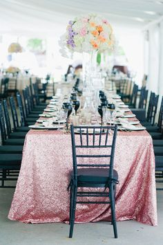 7 Chic Wedding Tablecloth Ideas + Styles - sequins