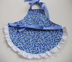 I need to make aprons for my kiddos :)