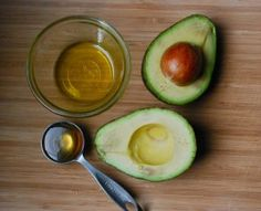 This Anti-Aging Face Mask is Better Than Botox - Health And Healthy Living Homemade Facials, Homemade Beauty, Anti Aging Face Mask, Botox Alternative, Avocado Face Mask, Homemade Face Masks, Belleza Natural, Best Face Products, Beauty Products
