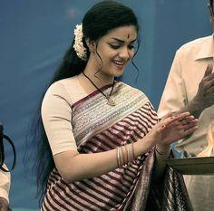 Saree Blouse Neck Designs, Half Saree Designs, Dress Neck Designs, Blouse Designs, South Actress, South Indian Actress, Beautiful Indian Actress, Bollywood Makeup, Beautiful Heroine