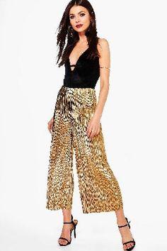 boohoo Metallic Pleated Wide Leg Culottes - gold DZZ61936 Loren Metallic Pleated Wide Leg Culottes - gold http://www.MightGet.com/january-2017-13/boohoo-metallic-pleated-wide-leg-culottes--gold-dzz61936.asp