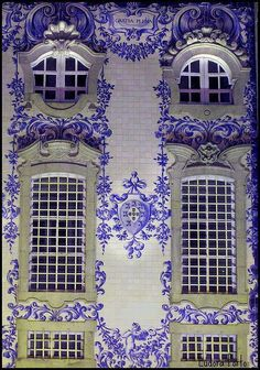 Painted tiles, in the Church of the Order of Carmelites in Portugal.