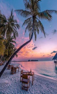 Romantic Island Getaways & European Adventures Plan a tropic. - Romantic Island Getaways & European Adventures Plan a tropical romantic getaway - Beautiful Places To Travel, Beautiful Beaches, Beautiful World, Summer Wallpaper, Beach Wallpaper, Maldives Wallpaper, Paradise Wallpaper, Beach Aesthetic, Travel Aesthetic
