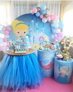 Far Beyond Perfect Princess Birthday Party Ideas and Decorations Disney Princess Birthday Party, Cinderella Birthday, Pig Birthday, Princess Theme, Birthday Table, Balloon Decorations Party, Birthday Party Decorations, Birthday Parties, Balloons