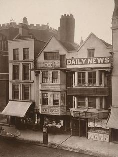 Old houses, Fleet Street, This photograph was commissioned by the Society for Photographing Relics of Old London to form part of a per. Victorian Street, Victorian Life, Victorian London, Vintage London, London 1800, Victorian Houses, Old Pictures, Old Photos, Amazing Pictures