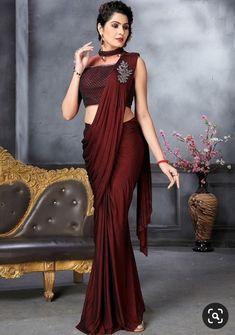 Fancy Sarees Party Wear, Saree Designs Party Wear, Designer Party Wear Dresses, Indian Bridal Outfits, Indian Fashion Dresses, Fancy Blouse Designs, Saree Blouse Designs, Indiana, Sarees For Girls