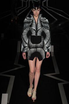 Défilé Iris Van Herpen Haute couture printemps-été 2017 10