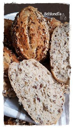 Bread Bun, Pan Bread, Bread Rolls, Bread Baking, Pizza Roll Up, Pampered Chef, Freshly Baked, Bread Recipes, Veggies