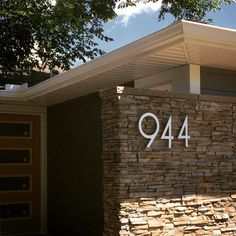 modern and stylish house numbers grace the entry of this mid-century modern home. major curb appeal in our SoCal typeface and brushed aluminum finish. Midcentury House Numbers, Craftsman House Numbers, Large House Numbers, Metal House Numbers, House Address Sign, Address Signs, Address Numbers, Contemporary House Numbers, Modern House Facades