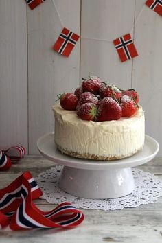 Norway National Day, Constitution Day, Norwegian Food, Public Holidays, Christmas Sweets, Simple Pleasures, I Love Food, Food Styling