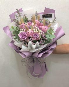 Flower Bouquet Diy, Bouquet Wrap, Rose Bouquet, Floral Bouquets, Boquette Flowers, How To Wrap Flowers, Dried Flowers, Beautiful Flowers, Valentine Flower Arrangements