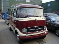 Mercedes-Benz O319 Luxusreisebus.